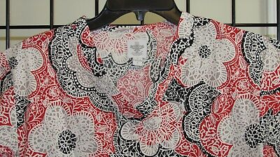 MED COUTURE SCRUB TOP WOMAN'S sz S EUC CUTE FLOWERS