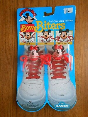 Vintage 1989 Disney Mickey Pals MINNIE MOUSE Shoe Lace Clip Brookside Bow Biters