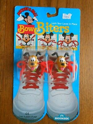 Vintage 1989 Disney Mickey Pals PLUTO Shoe Lace Clip Brookside Bow Biters