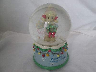 2006 Precious Moments Musical Water Globe - Decorating the Holiday With Love