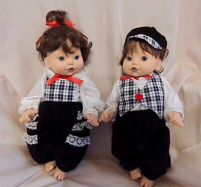 1995 Playmates Baby So Beautiful All Vinyl Twin Dolls All Original Incl. Bands