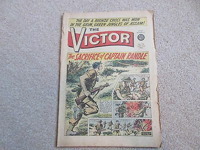 THE VICTOR COMIC No 74 - JULY 21ST 1962 - THE SACRIFICE OF CAPTAIN RANDLE.