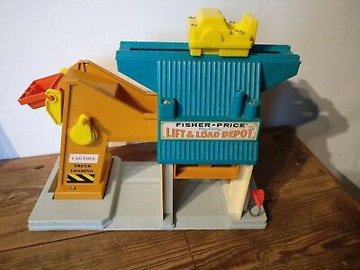 Vintage-Fisher-Price-Lift-and-Load-Depot-942---19676