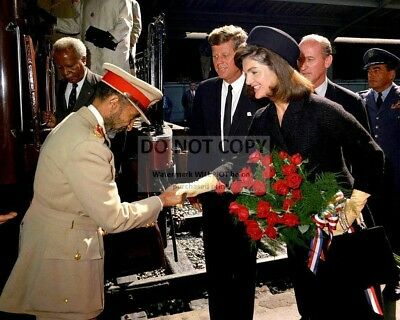 JOHN F  KENNEDY And Jacqueline Welcome Emperor Of Ethiopia - 8X10 Photo  (Fb-976)