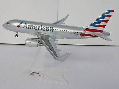 American Airlines Airbus A319 1/200 Herpa 556330 A 319 N8001N AA Sharklets A320