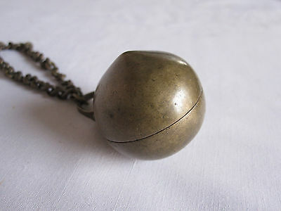 Old or antique Ethnic & Collectible brass Betel Lime Box CHUNA-DANI with chain
