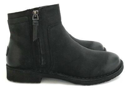 4ca3015b8075 Ugg Rea Sleek Nubuck Black Leather Zipper Closure Women s Ankle Boots Size  9.5