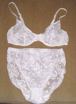 VTG Victoria's Secret BRA AND PANTY SET Ivory Sheer Floral Lace BRA 34C Panty M