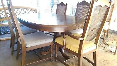 "Beautiful Antique oak dining table 72 - 108"". With six chairs!"