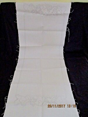 ~Vintage Centre Table Runner - Linen - New & Unused Ready To Complete~