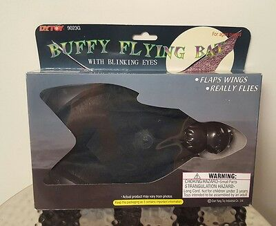 Buffy Flying Halloween Bat - With Blinking Eyes! Flaps Wings Really Flies! NEW