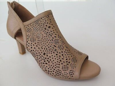 Top End - new ladies leather sandal size 37 #70 *CLEARANCE*