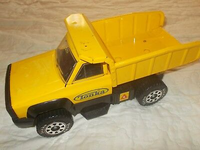 Tonka Classic Kids Steel Metal Dump Truck With Tipping Action Tow Bar  Sandpit