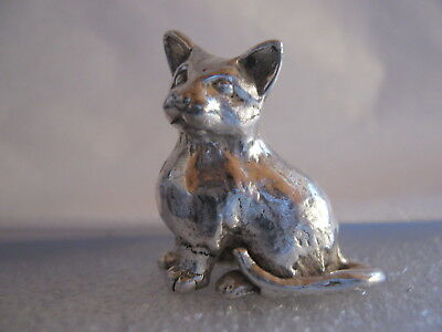 London Hallmarked  Solid  Sterling Silver Miniature Seated Cat Figure