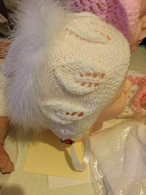 White Baby's Hat Bonnet Crochet Knitted Ribbon Feathers Rose Handmade 0-6 Summer