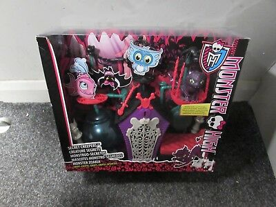 Monster High - Secret Creepers Crypt - NEW IN BOX