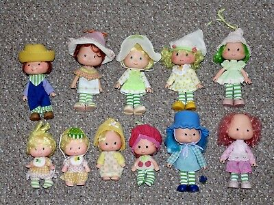 Vintage Kenner Strawberry Shortcake Lot of 11 Dolls with Some Accessories
