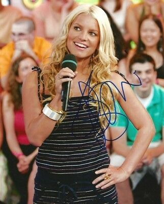 Jessica Simpson SINGER AND ACTRESS autograph, In-Person signed photo