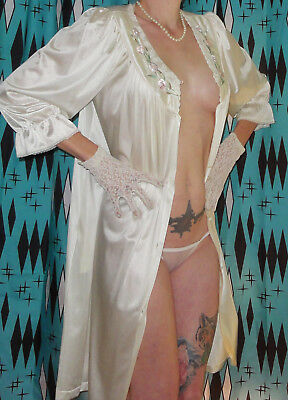 Vintage Ivory Vanity Fair Open Front Nightgown M pinup clothing girl sleepwear