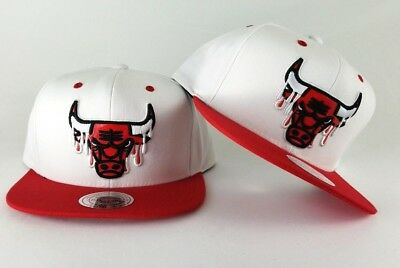 quality design 364c3 98a09 New Mitchell   Ness Paint Drip Chicago Bulls Adjustable Snapback Hat Red    White