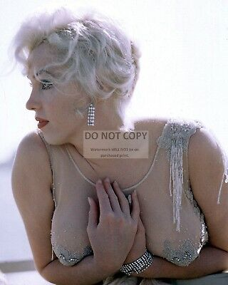 Marilyn Monroe Iconic Sex Symbol And Actress - 8X10 Publicity Photo (Ab-661)