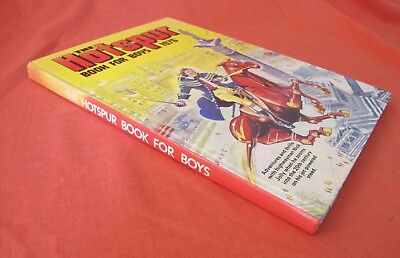 The Hotspur Book For Boys 1976 Superb Condition Intact Spine Not Price Clipped