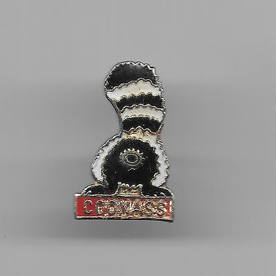 Vintage Raccoon with Tail Up (coonass) b3 small old enamel pin
