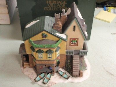 Dept 56. THE GRAPES INN 5th Edition Dickens Village Lighted Building 57534