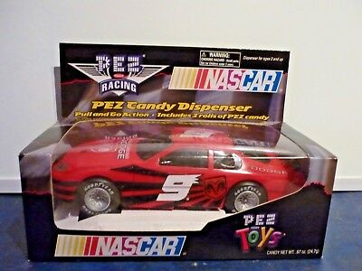 Pez Nascar Racing Car Dispencer Pull and go action #9