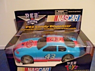 Pez Nascar Racing Car Dispencer Pull and go action #43