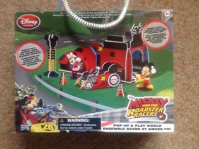 Mickey and the Roadster Racers Pop Up & Play World Build Set Disney Mouse new