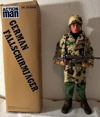 "HASBRO ACTION TEAM/ACTION MAN/G.I. JOE Figur deutscher Soldat WWII Scale 12"" OVP"