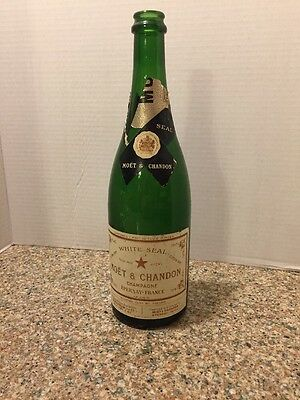 VINTAGE CHAMPAGNE MOET ET CHANDON EMPTY BOTTLE WHITE SEAL Extra Dry