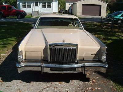 1979 Lincoln Continental  1979 Lincoln Continental Town Car - Williamsburg Edition