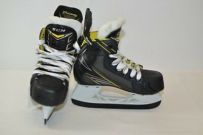 CCM Ultra Tacks  Ice Hockey Skates Youth Size 13.5 D (0212-C-ULTRAT-Y13.5D)