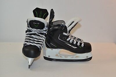 CCM Ribcor 48K Ice Hockey Skates Junior 2.5 D (0123-C-RIB48K-2.5D)