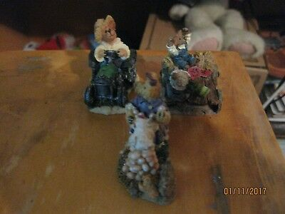 Boyds Bearly-Built Villages. Set Of 3 Figurines Style #19547-1