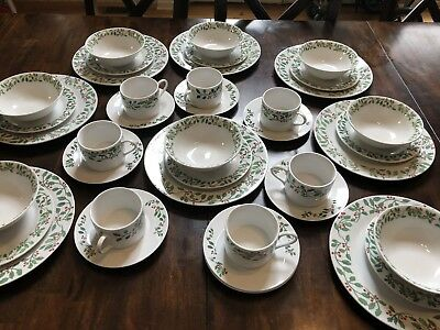 vintage christmas holly berry dinnerware set craven pottery