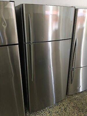 Fisher and Paykel 517 litre Fridge/Freezer (2mth warranty)