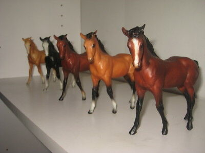 5 Vintage Breyer Horses All Same Pose&stance Various Colors Small Size Vgc
