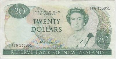 NEW ZEALAND BANKNOTE P173a-3851  20 DOLLARS SIG HARDIE,VF