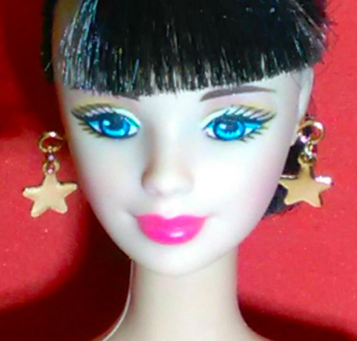 Dreamz PINK METALLIC /& Silver Diamond Shape Dangle Earrings Barbie Doll Jewelry