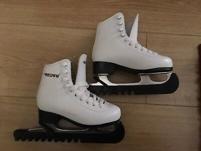 kids size 10/28 freesport figure skates with guards VGUC