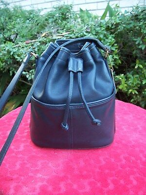 Vintage Coach Drawstring Leather Shoulderbag Made In The Usa