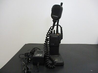 VINTAGE Motorola HT1000 VHF Ham radio narrow banding complete with programming