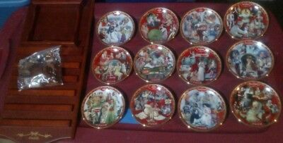 Limited Edition Bradford Exchange Coca-Cola 12 Plate Set With Display