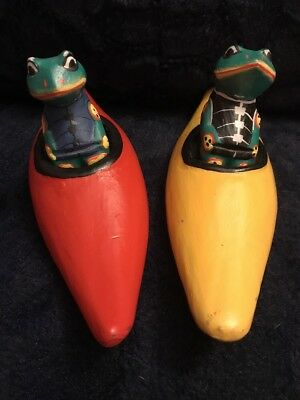 Wooden Frogs In Canoes Figurines