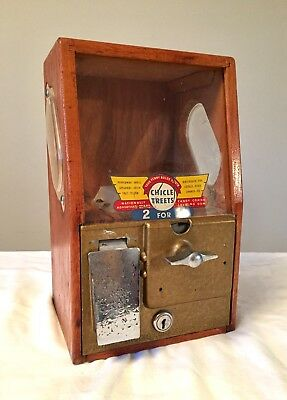 Vintage 1950's VICTOR BABY GRAND WOOD Chicle TREAT VENDING MACHINE No Key