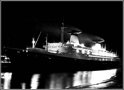 Photo The SS France, Rare Night View At Ocean Dock 1963