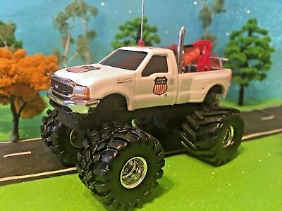 FORD, F350, Union Pacific Railroad Service Truck, ERTL, 1/64 Custom Lifted DCP